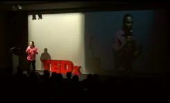 Copie d'écran de la vidéo de Frédéric Couchet